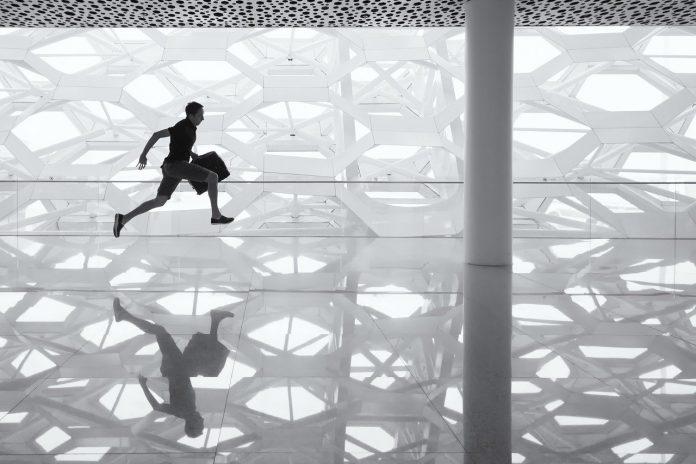 חידוש רצפות – תהליך מהיר ומקצועי לבית שלכם